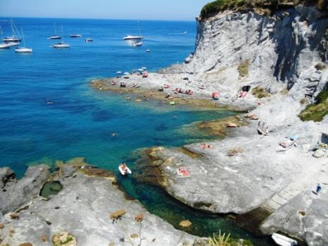 La caletta ponza le forna informazioni utili per la tua vacanza a ponza - Isola di saona piscine naturali ...